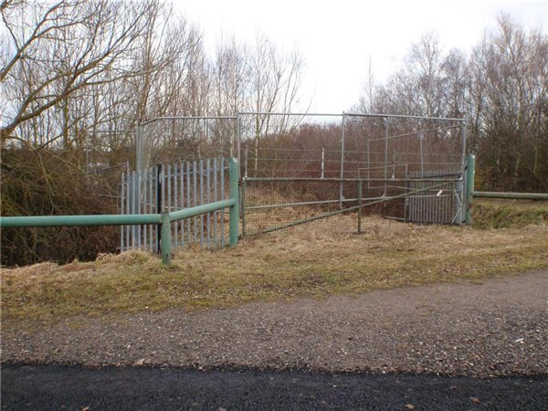 Temporary steel security fencing around privately owned fishing lake