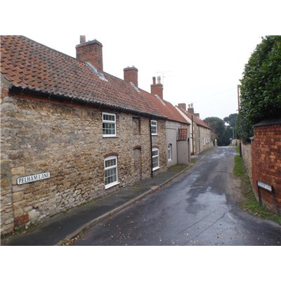 Pelham Lane stone cottages at the centre of Canwick Village